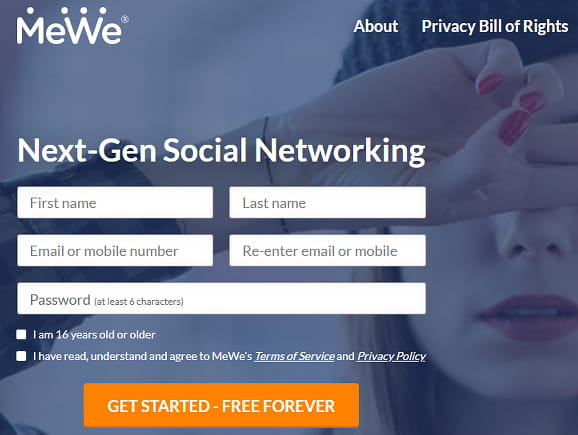 MeWe home page with the signup form
