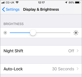 Adjust the screen brightness on the iPhone and set Auto-Lock in iOS