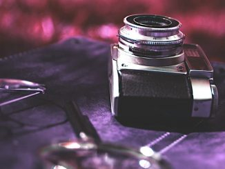 Camera: Enlarge small or old photos while maintaining quality