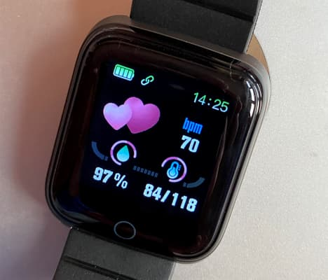 ANCwear fitness tracker watch showing the heart monitor screen