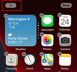 Adding a Smart Stacks widget to the home screen on an iPhone